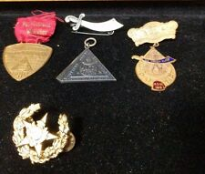5x piece lot of Early Masons/Masonic/Fraternal Pins and Medals (Lot K)