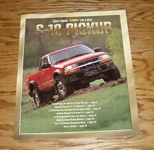 Original 2001 Chevrolet Truck S-10 Pickup Sales Brochure 01 Chevy