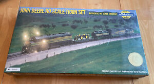 Athearn John Deere HO Train Set With Two 4010 Tractors 4th in Series SEALED