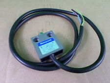 Honeywell 14CE1-1 Pin Plunger Limit Switch