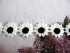 """18 yd  Venise Lace Daisy Applique Wholesale Price White/ Black 1""""  D55"""