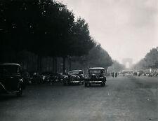 PARIS c. 1950 - Circulation Autos Champs Elysées - DIV 9124
