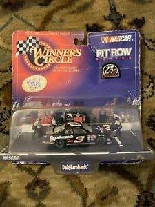 Dale Earnhardt  #3 Goodwrench Pit Row Series 1:64 Winners Circle NASCAR
