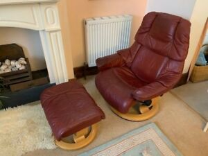 """Fabulous Ekornes Stressless """"Reno"""" - red leather recliner chair and foot stool"""