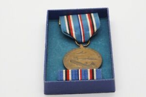 WWII American Campaign Medal & Ribbon Bar In Original Box by Heckethorn Mfg.