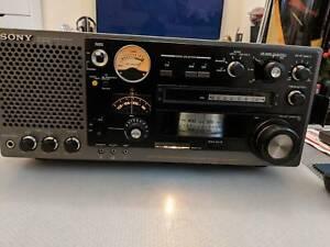 Sony ICF-6800W World  31 Band Receiver