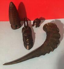 Lot de 4 Objet de Curiosité Africain Corne Gazelle / Masque / Hutte / Eléphant