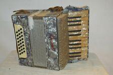 ancien accordéon CAPRI