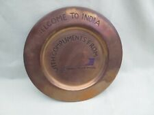 Assiette publicitaire en cuivre Welcome to India With compliments From (2)