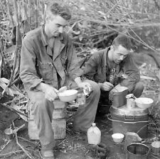 WW2 Photo WWII Australian Soldiers Chow Time  New Guinea World War Two / 1436