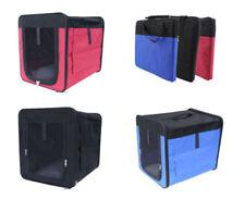 Boîtes de transport rouge pour le transport des chiens