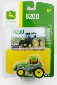 ERTL 1:87 HO SCALE *JOHN DEERE* Model 8200 Tractor w/DUALS NIP!