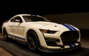 Licensed Ford Mustang Shelby GT 500 1/18 1:18 Scale detailed diecast model car