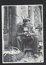 CATUS (46) Vie Rurale , Epluchage des OIGNONS