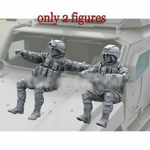 1:35 resin figures Modern Russian 2 Drivers Soldiers Unpainted Unassembled F171