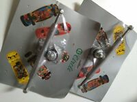"2 x VINTAGE CIRCLE SILVER SKATEBOARD TRUCKS IN BLISTER - OLD SCHOOL - 8.5"" NOS"