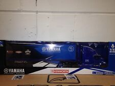 Gift boxed motocross Yamaha factory model racing truck scale 1:32 model