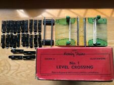 More details for vintage hornby o guage no 1 level crossing boxed with extra half straight