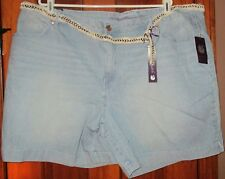 Gloria Vanderbilt Women's Shorts NWT Size 22W with Belt