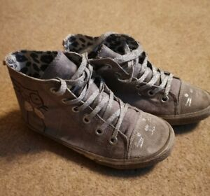 Next Girls Size 12 Grey Cat Detailed Boots
