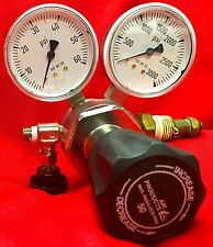 Air Products E11-215B Gas Regulator CGA 580 3000psi In 50psig Out Generant Valve