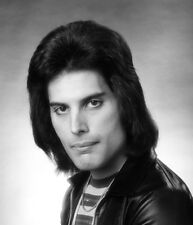 Freddie Mercury UNSIGNED photo - K8804 - Lead vocalist of the rock band Queen