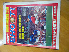 SHOOT NEWSPAPER 17/1/1970 PIN UP GORDON MARSHALL HIBERNIAN HENRY NEWTON FOREST