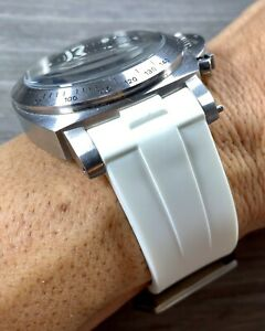 WHITE Panerai 44mm Luminor Case 24mm Curved Vulcanized Rubber Watch Strap