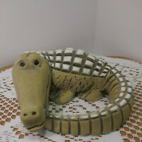 Vintage Hand Craved Artesania Rinconada Alligator. Made In Uruguay