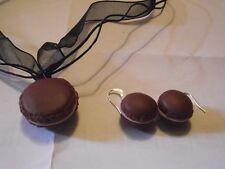 collier plus boucle d'oreille macaron chocolat-1