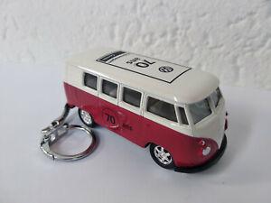 Porte clé Volkswagen bus combi 2020 pour les 70 ans du T1 neuf rouge, en métal