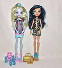 Monster High Scaris City Of Frights Cleo De Nile & Lagoona Blue 2 Pack Doll Lot