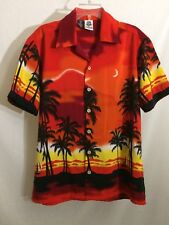 Size M Medium KENNINGTON Men's Short Sleeve, Button Down, Sunset Hawaiian Shirt