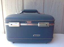 VTG American Tourister Tri-Taper Cosmetic Train Suitcase Blue w/tray no key