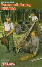 1/35 German Wehrmacht Bivouac (3 Figures Set with Zeltbahn)  - Plastic Model Kit