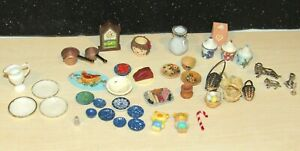LOT OF 47 PIECES of VINTAGE DOLLHOUSE ACCESSORY SET KITCHEN LIVING ROOM ITEMS