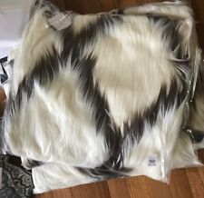 """Pottery Barn Faux Fur Moroccan Pillow Cover Ivory 18"""" Modern New"""