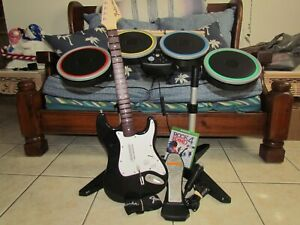 XBOX ONE WIRELESS RB4 DRUMS GUITAR FENDER GAME BUNDLE MICROPHONE ROCK BAND BOX