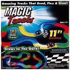 MAGIC TRACKS Glow in the Dark LED LIGHT UP RACE CAR Bend Flex Racetrack Boy Toys