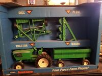 Vintage 1/16 Scale John Deere ERTL Co. 4 Piece Farm Tractor Set - 1993 NIB