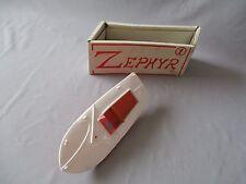 V525 BATEAU ZEPHIR ELECTRIQUE 28.5 cm MARQUE R INCONNUE BON ETAT