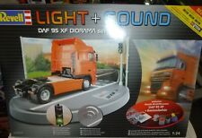 REVELL 9031 DAF 95 XF LIGHT AND SOUND DIORAMA 1/24 MODEL CAR MOUNTAIN KIT NIB
