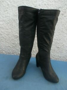 AUTOGRAPH BLACK FAUX LEATHER PULL ON STRETCH WIDE LEGGED BOOTS-SZ 8 VGC