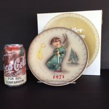 ~Dutch Auction~(z507) 1971 first year Hummel Christmas Plate, with box