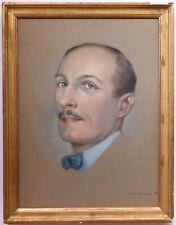 RAYMOND LEVI-SRAUSS PORTRAIT D'HOMME AU NOEUD PAPILLON bleu à pois blancs 1934