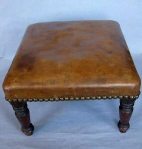 Vintage Leather footstool art deco / Chesterfield