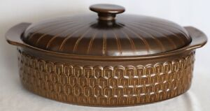 Vintage Retro Wedgwood Pennine Casserole Dish with Lid 2L