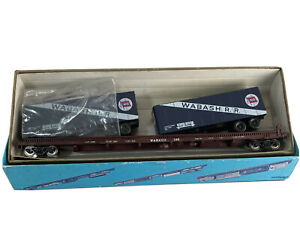 HO Vintage Athearn Wabash 75' Flat Car with 2 Trailers Partially built in box