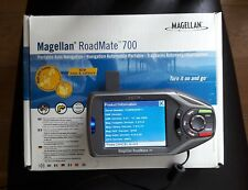 "Magellan Roadmate 700 SAT NAV ‑ pantalla de 3.8"" en Caja Original + Antena Externa"