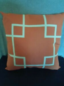 Outdoor Decorative Pillow/Cushion Coral Lattice Pattern White/Coral 16x16 New